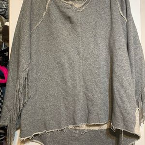 Oversized, distressed grey sweatshirt fringe XL